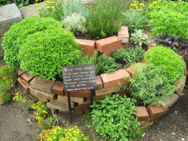 permaculture-herb-spiral-e1398701750642